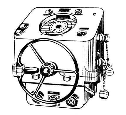 А. работает от гирокомпаса или другого указателя...  Авторулевой,гирорулевой, электронавигационный прибор для...