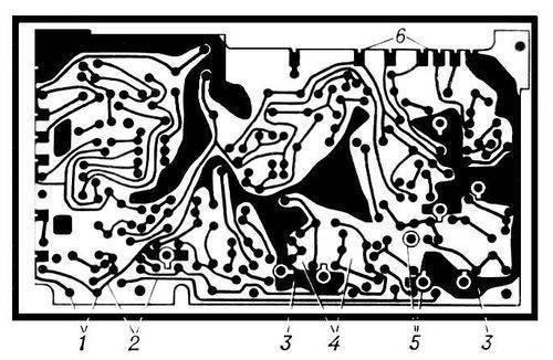 Печатная плата: 1 - контактные площадки; 2 - печатные проводники; 3...