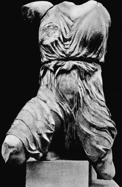 Ирида. Фрагмент скульптуры западного фронтона. Мрамор. Лондон, Британский музей