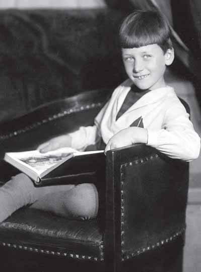 С книгой. 1940 год